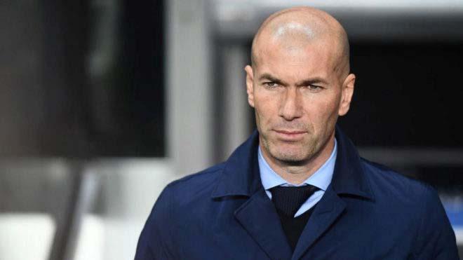 Real khuất phục PSG: Zidane khinh khỉnh, sếp lớn Paris dọa trảm tướng - 1