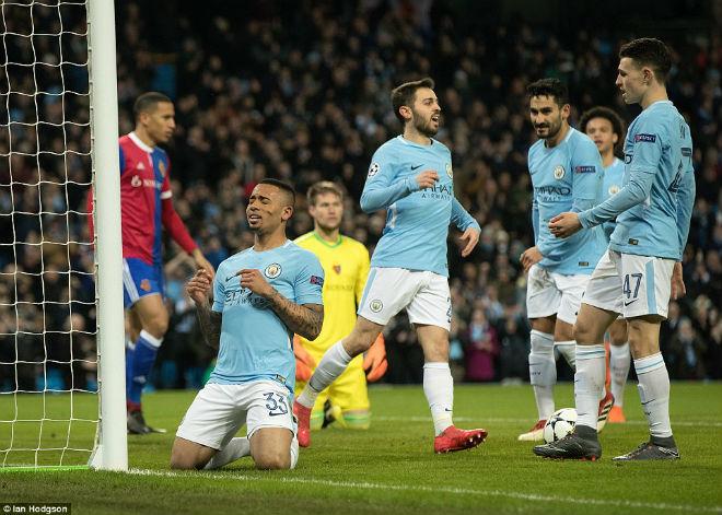 Man City thua ngược ở Champions League: Pep giận học trò quên tấn công 1