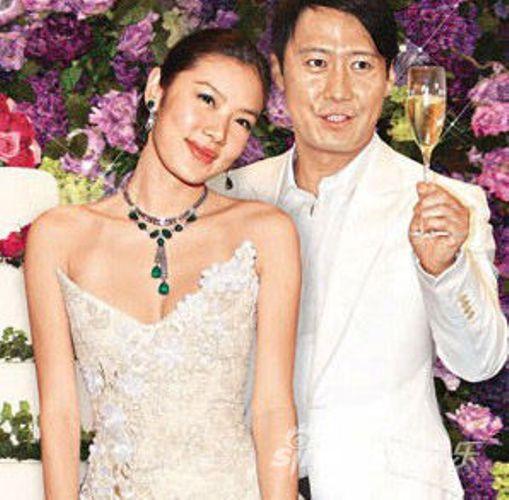 Bị vợ gốc Việt cắm sừng, thiên vương Hong Kong hẹn hò trợ lý sau ly hôn - 1