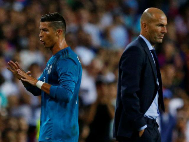 """Vua Ronaldo hồi xuân: MU """"yêu lại từ đầu"""", bán SAO dọn chỗ mời về 4"""