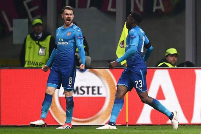 """AC Milan - Arsenal: Rực rỡ San Siro, Wenger vẫn ngồi trên """"đống lửa"""" 2"""