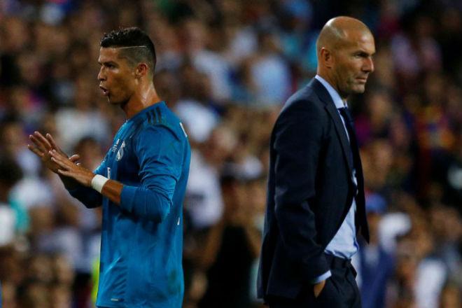Real binh biến: Phe Ronaldo hạ Zidane, HLV vô địch thế giới đến thay 1