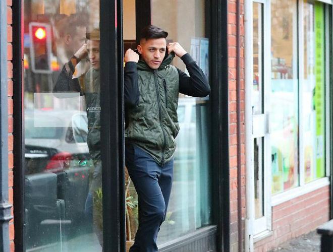 """Họp báo MU - Liverpool: Mourinho """"đá xoáy"""" huyền thoại MU 7"""