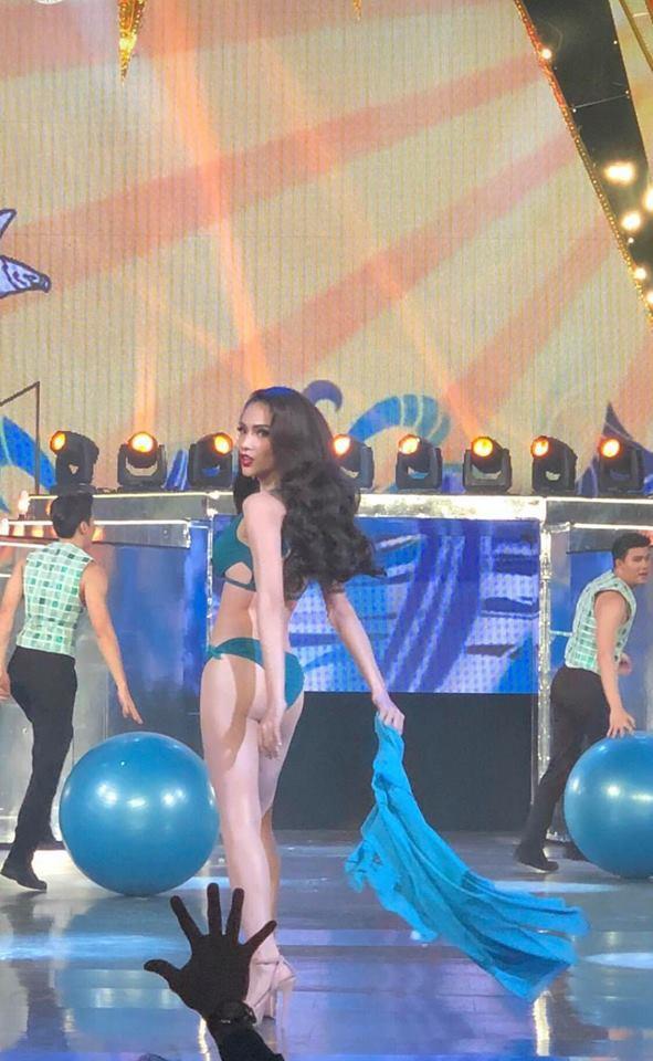 Xem Hương Giang quá bốc lửa trong phần thi bikini đêm chung kết - 2