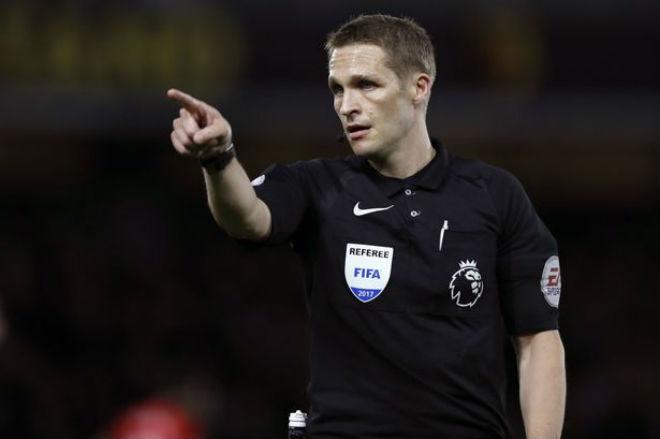 """MU thở phào: Trọng tài sai lầm, """"cướp trắng"""" phạt đền của Liverpool 2"""