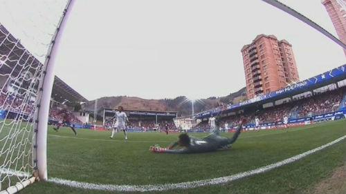 TRỰC TIẾP Eibar - Real Madrid: Ronaldo trừng phạt sai lầm 21