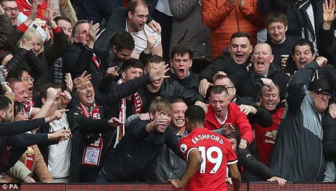 """Thua MU ấm ức, Liverpool """"nổi điên"""" đi kiện đòi 3 penalty, 2 thẻ đỏ 4"""