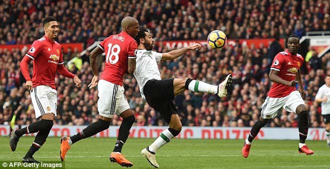 """Thua MU ấm ức, Liverpool """"nổi điên"""" đi kiện đòi 3 penalty, 2 thẻ đỏ 2"""