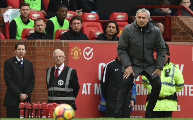 MU hạ Liverpool: Nghệ thuật phòng ngự Mourinho, dàn siêu tiền đạo đầu hàng 1