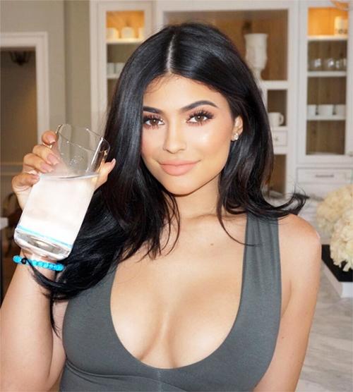 Trà: Bí quyết eo thon 1 tháng sau sinh đáng kinh ngạc của hot girl Hollywood - 5