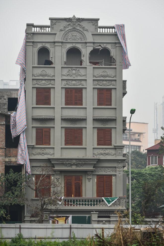 Phá dỡ biệt thự sai phép của gia đình cựu Thiếu tướng Nguyễn Thanh Hóa - 2