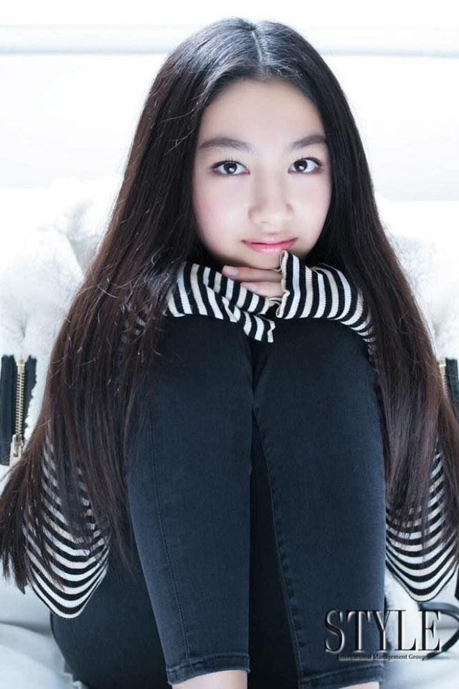 Con gái ông trùm phim xã hội đen Hong Kong phổng phao tuổi 14 - 5