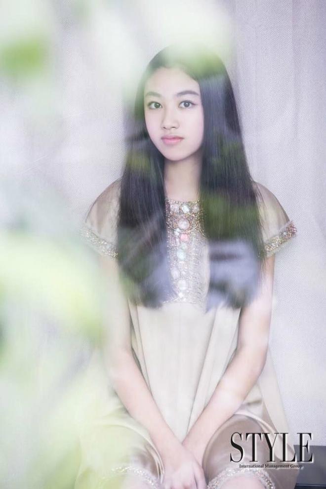 Con gái ông trùm phim xã hội đen Hong Kong phổng phao tuổi 14 - 2