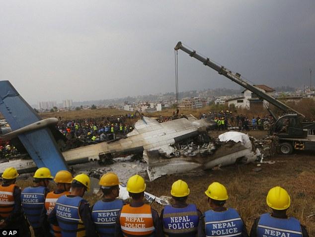 Nepal: Nguyên nhân máy bay chở khách vỡ tan, 49 người thiệt mạng