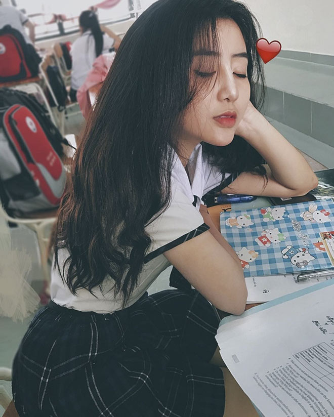 Fan girl U23 Việt Nam được báo Hàn ca ngợi đẹp như nữ thần - 11