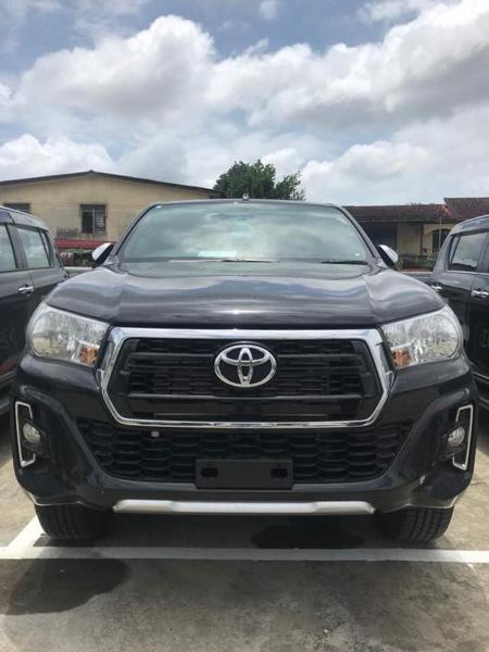 Toyota Hilux 2018 xuất hiện tại Malaysia mang phong cách của Toyota Tacoma - 2