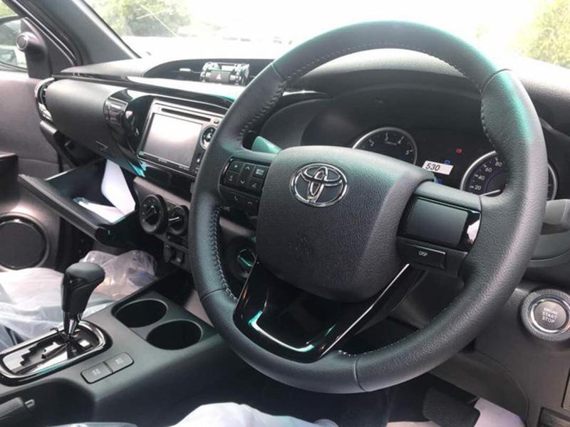 Toyota Hilux 2018 xuất hiện tại Malaysia mang phong cách của Toyota Tacoma - 4