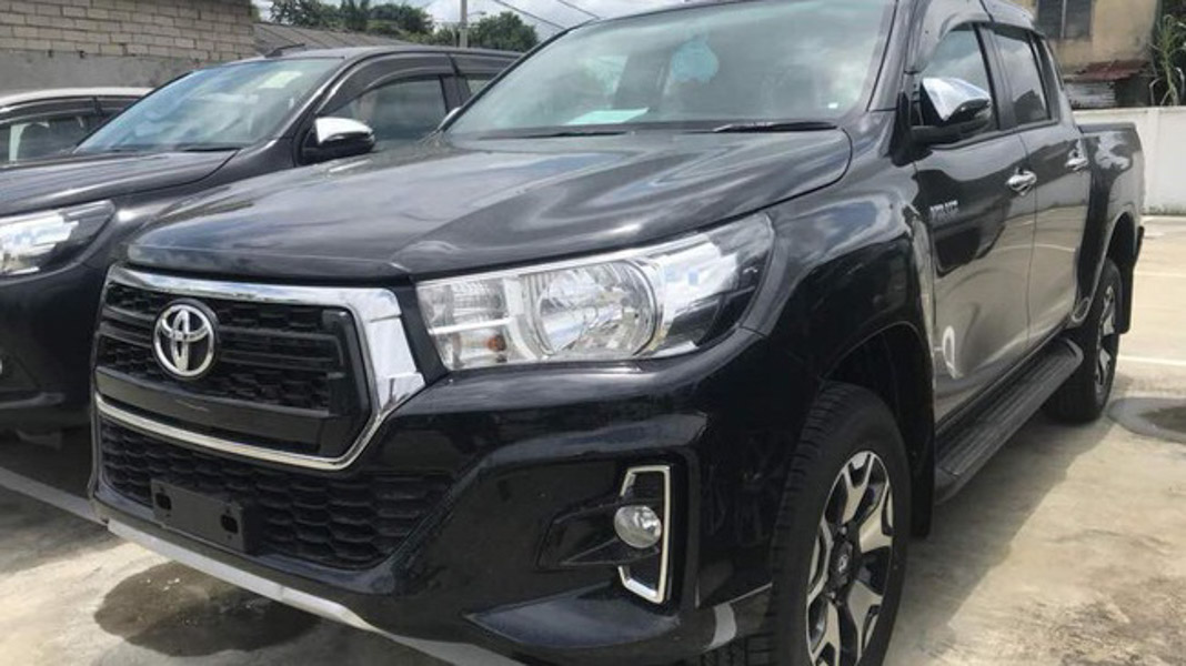 Toyota Hilux 2018 xuất hiện tại Malaysia mang phong cách của Toyota Tacoma - 1