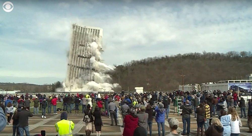 Xem tòa nhà 28 tầng cao nhất TP Mỹ đổ sụp tan tành trong tích tắc