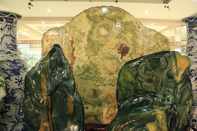 Chiêm ngưỡng bức tranh 9 rồng bằng ngọc nguyên khối lớn nhất châu Á - 9