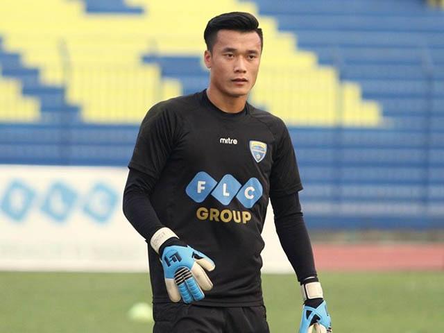 Thanh Hóa trắng lưới, thủ thành Tiến Dũng U23 VN kiến tạo ngỡ ngàng 2