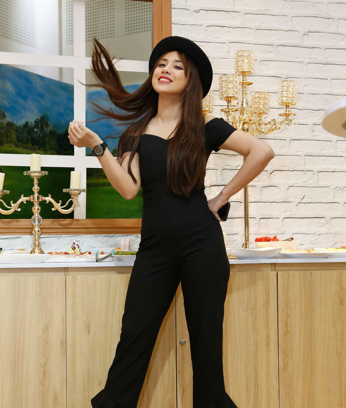 Thật bất ngờ, mới đầu năm 2018 showbiz Việt đã lộ hết mảng tối