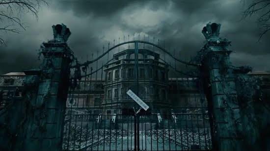 Những tòa lâu đài chứa nhiều bí ẩn đáng sợ nhất màn ảnh - 3