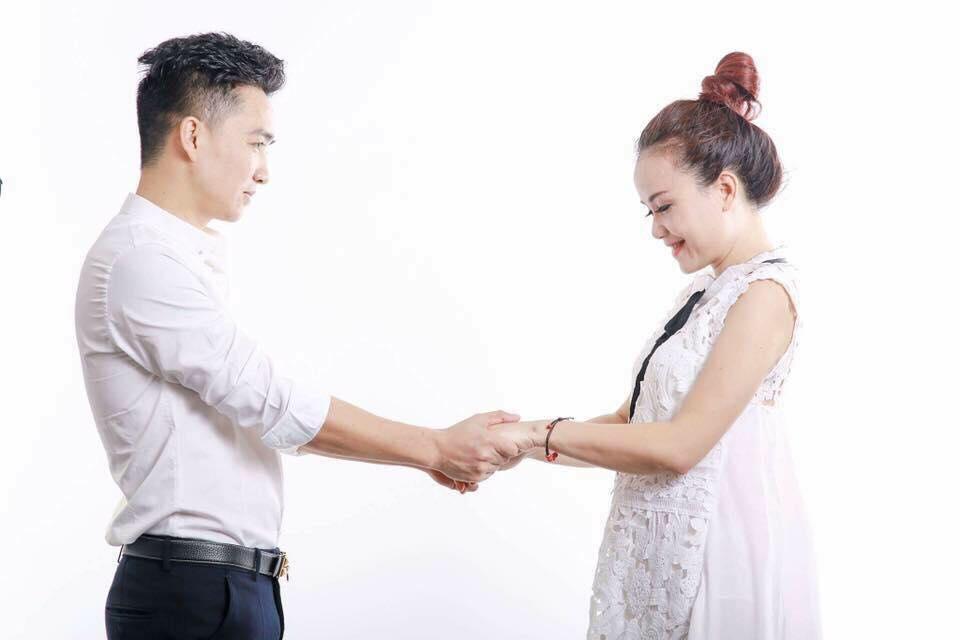 """Sao nữ kết hôn lần 4 với """"phi công trẻ"""": Chồng tôi ghen có thương hiệu - 4"""