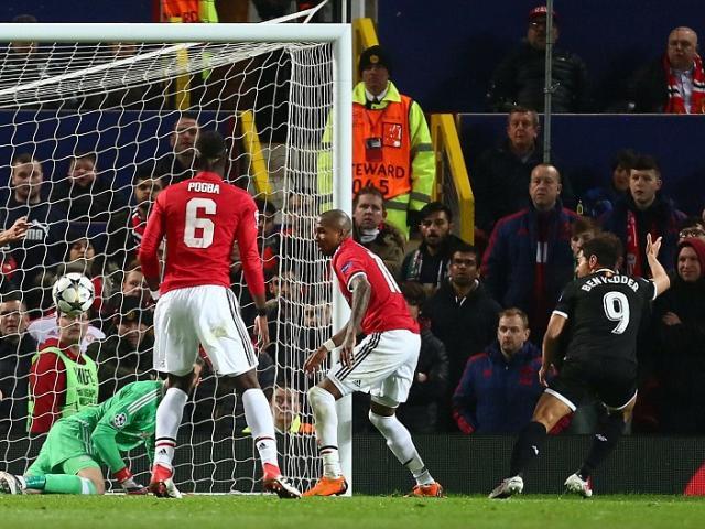"""MU - Chelsea """"xem"""" cúp C1: Mourinho - Conte và thứ bóng đá lỗi thời 3"""