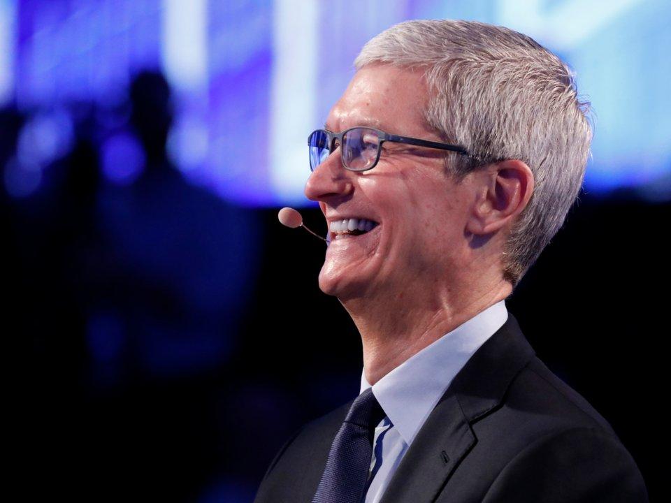 Apple sắp trở thành công ty đầu tiên trong lịch sử được định giá nghìn tỷ USD