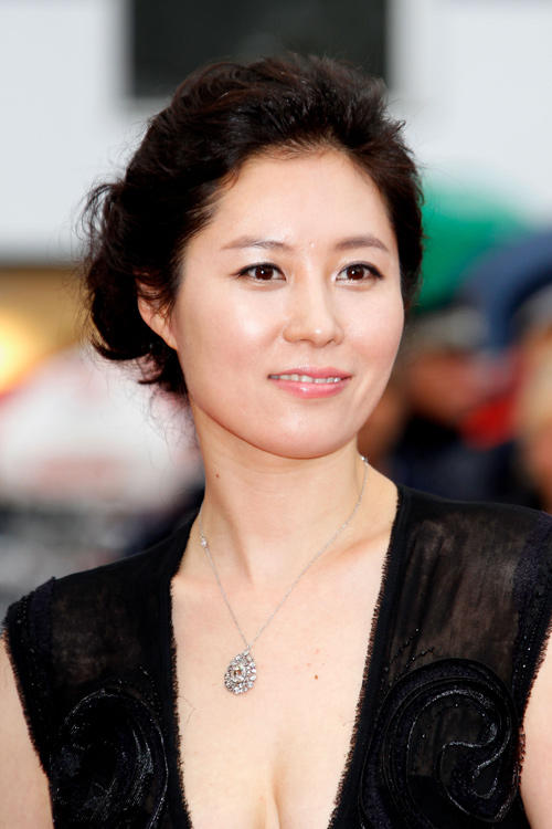 Sốc với con số nữ giới bị quấy rối tình dục trong giải trí Hàn - 2