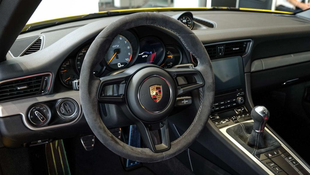 Đại gia Việt Nam ''rước'' siêu xe Porsche 911 GT3 2018 giá 11,06 tỷ đồng - 4