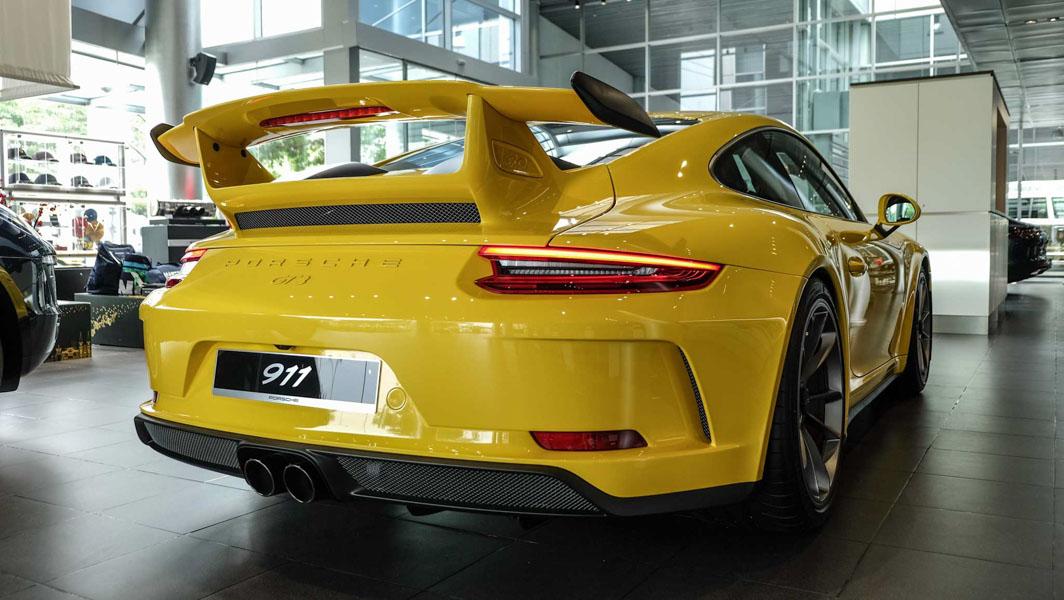 Đại gia Việt Nam ''rước'' siêu xe Porsche 911 GT3 2018 giá 11,06 tỷ đồng - 3