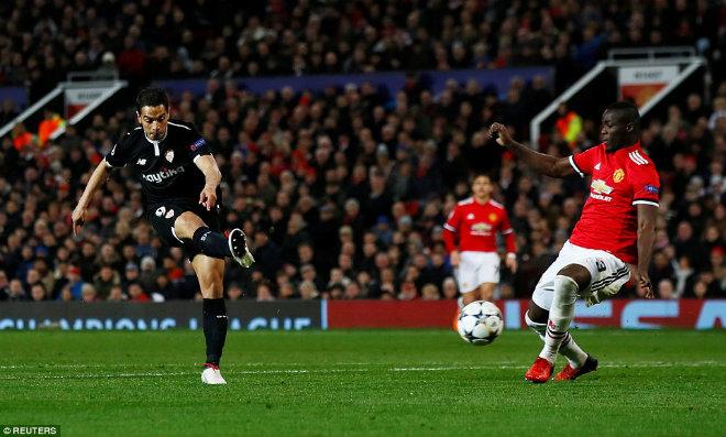 Góc chiến thuật MU – Sevilla: Thay người siêu đẳng, Mourinho quá nhiều sai lầm - 1