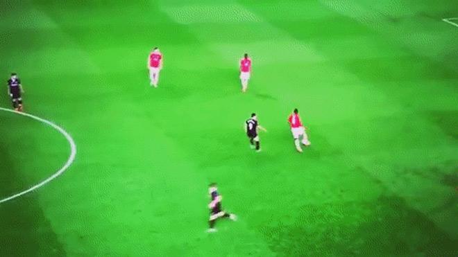 """MU bật bãi Cúp C1: Pogba bị tố """"làm phản"""", Mourinho nói gì? 2"""