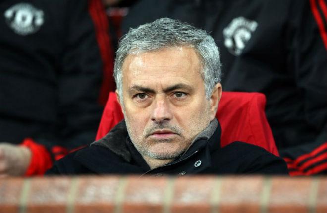 """Mourinho hết duyên """"mùa thứ 2"""": Thần thái ủ dột, bấu víu FA Cup 2"""