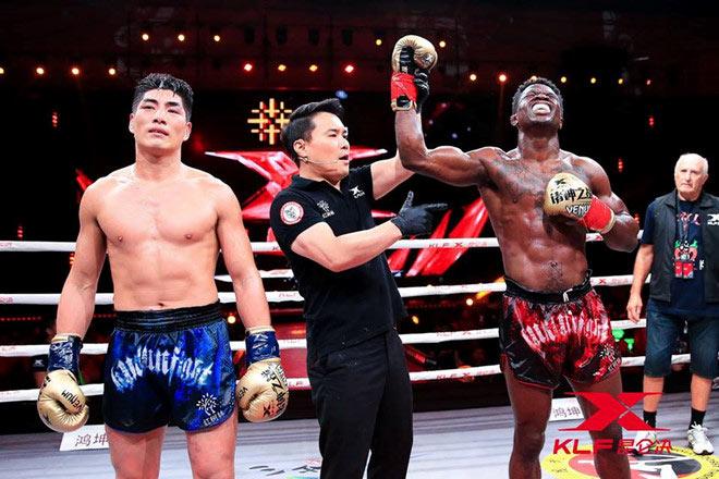 """Né """"Thánh Muay Thái"""", ôm mộng vô địch: Võ sỹ Trung Quốc vẫn ăn đòn sấp mặt 3"""