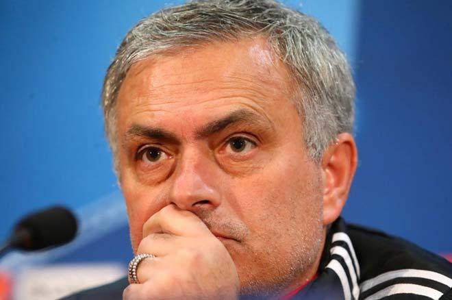 """MU - Chelsea """"xem"""" cúp C1: Mourinho - Conte và thứ bóng đá lỗi thời 1"""