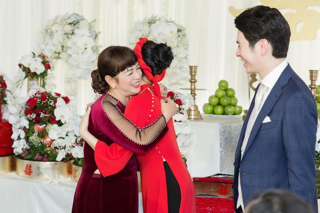 Mai Hồ công khai loạt ảnh đính hôn chồng trẻ kém 4 tuổi - 7