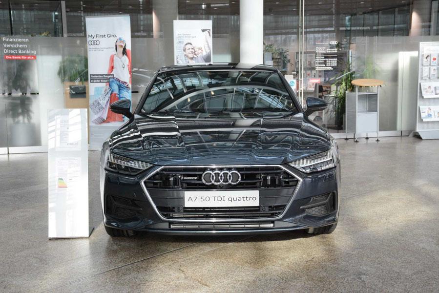 Mê mẩn với vẻ đẹp của Audi A7 Sportback 2019 màu sơn xanh xám - 1