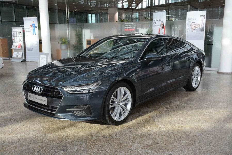 Mê mẩn với vẻ đẹp của Audi A7 Sportback 2019 màu sơn xanh xám - 2