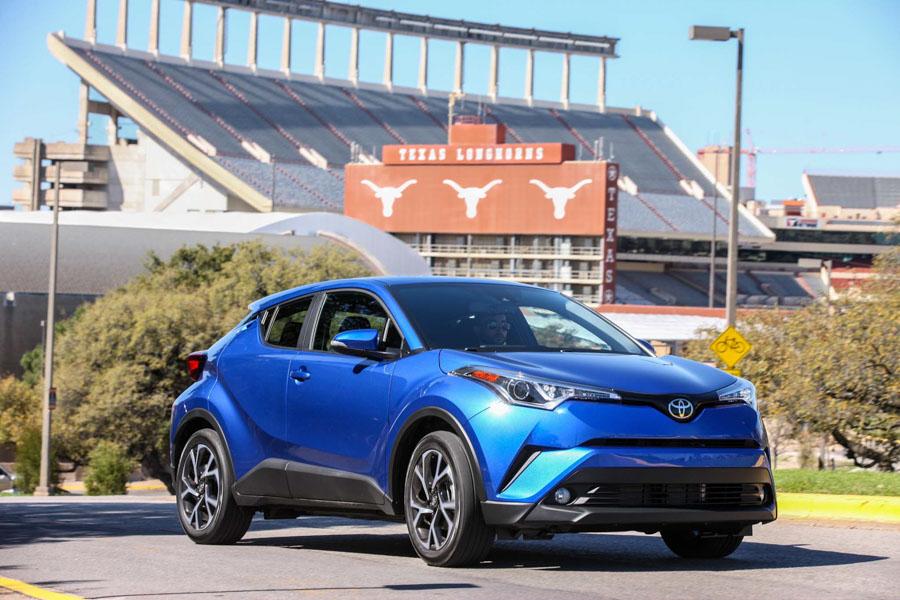 Toyota C-HR có giá từ 512 triệu đồng không thành công ở Mỹ - 2