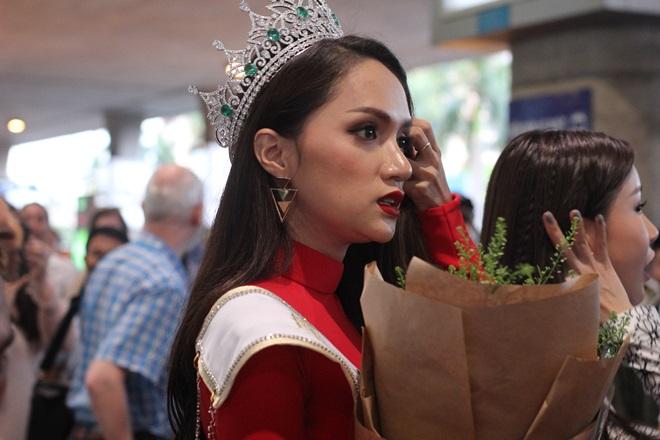 Xem Ảnh đọc báo tin tức Hương Giang Idol choáng váng vì sự hâm mộ của fan Việt và truyện phim nhạc xổ số bóng đá xem bói tử vi 6 thời trang