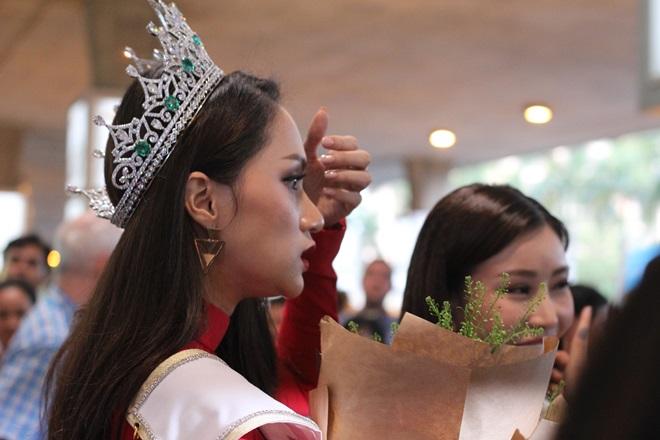 Xem Ảnh đọc báo tin tức Hương Giang Idol choáng váng vì sự hâm mộ của fan Việt và truyện phim nhạc xổ số bóng đá xem bói tử vi 5 thoi trang tre