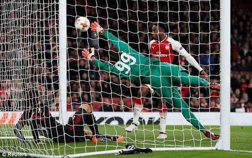 Chi tiết Arsenal - AC Milan: Welbeck hoàn tất cú đúp (KT) 26