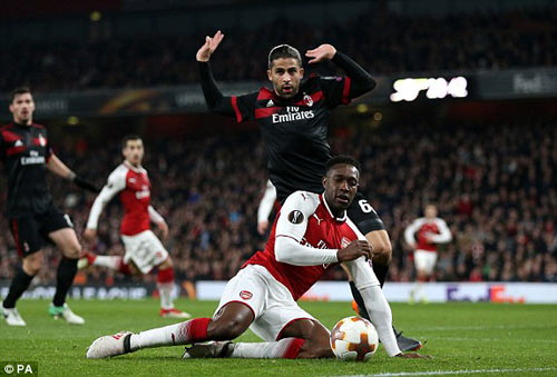 Chi tiết Arsenal - AC Milan: Welbeck hoàn tất cú đúp (KT) 23