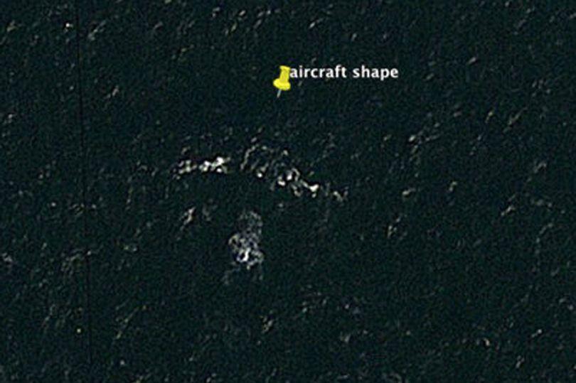 Người đàn ông tuyên bố tìm thấy vị trí máy bay MH370 - 2