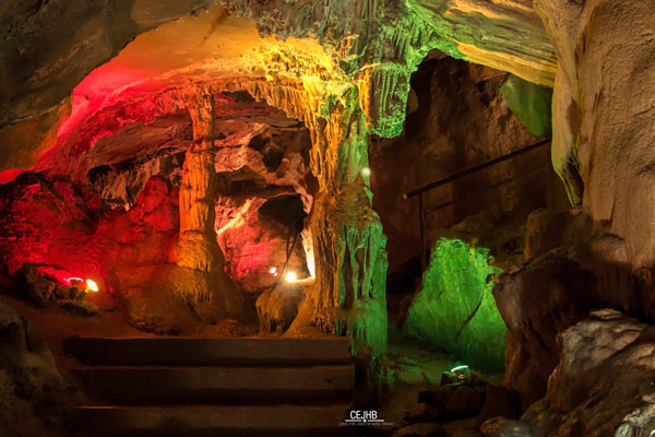 Top 8 hang động ngầm đẹp đến nín thở trên thế giới - 1