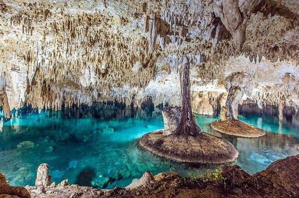 Top 8 hang động ngầm đẹp đến nín thở trên thế giới - 3