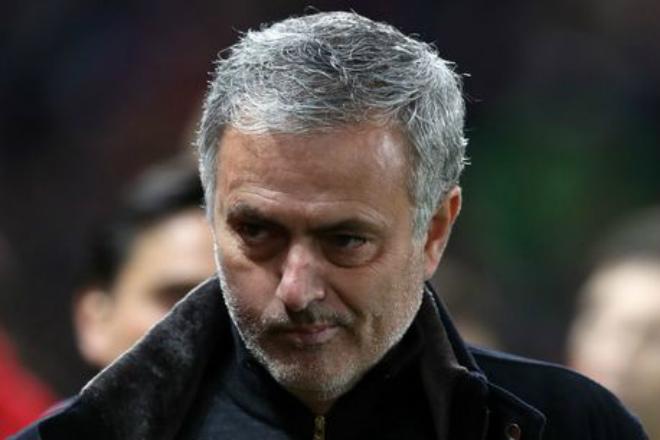 """MU vào bán kết FA Cup, Mourinho chỉ đích danh """"tội đồ"""" Luke Shaw 2"""